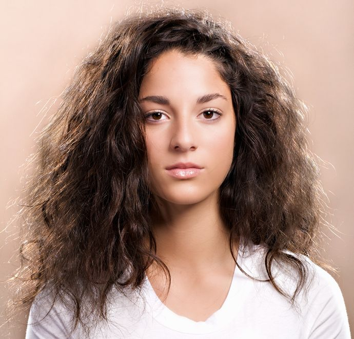 How To Prevent & Tame Frizzy Hair