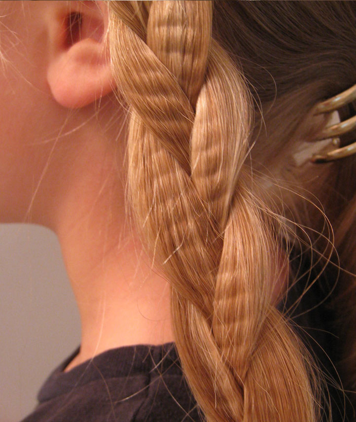 Crimp Hair to Enhance Hairstyles