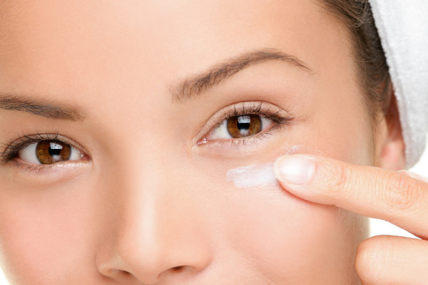 What Causes Dry Skin Around Eyes