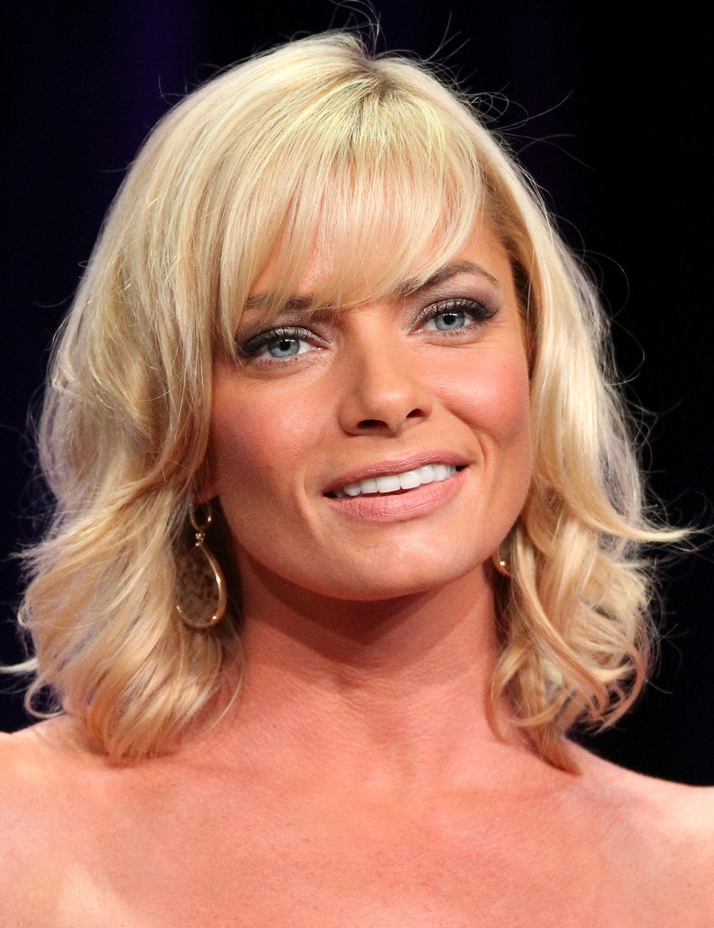 Jaime Pressly With Side Swept Bangs