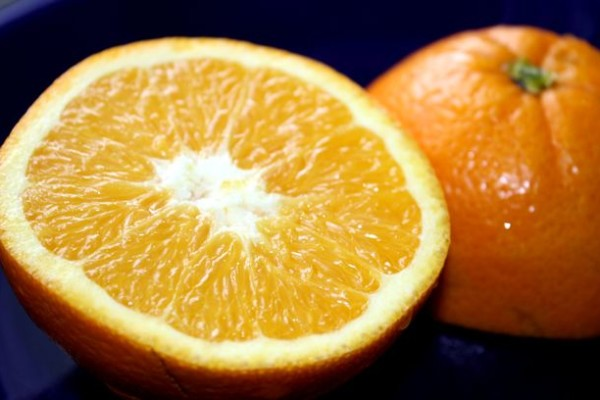 What are the health benefits of oranges