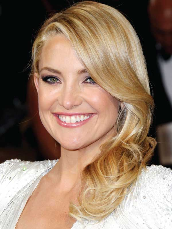 Kate Hudson with a Glamorous Side Part Hairstyle