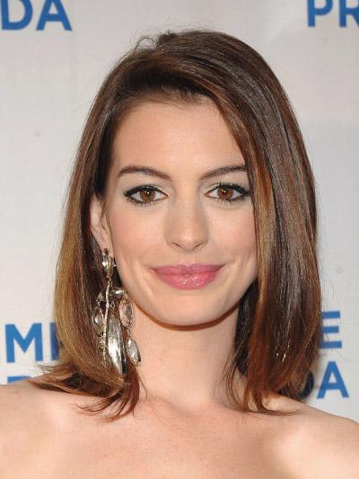Anne Hathaway with a Medium bob