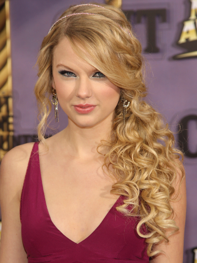 Taylor Swift with a Side Cascade of Curls